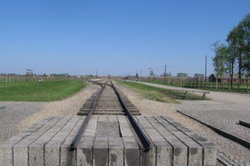 railroad tracks end at Auschwitz