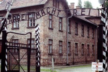 front gate of Auschwitz