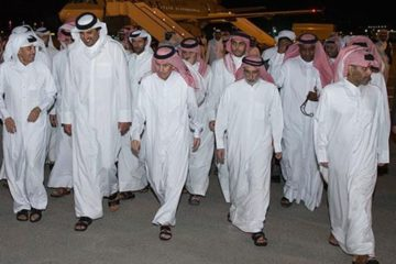 lots of Qataris walking