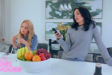 gal and other actress in screen shot from the sketch